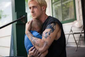 Luke (Ryan Gosling) struggles to reinsert himself in a family circle he unknowingly abandoned.